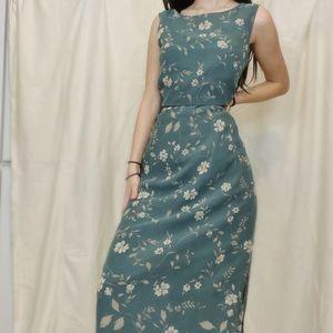 Beautiful vintage sundress.